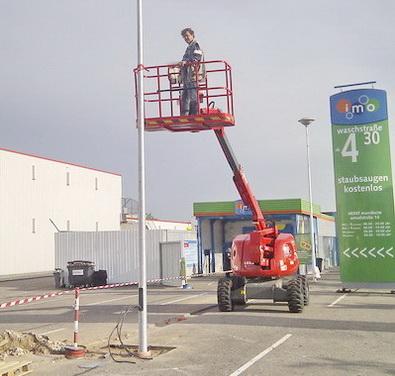 Montage Parkplatzbeleuchtung